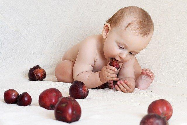 Ishrana bebe – od 1. meseca do godinu dana